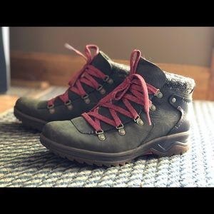 Merrell wine & leather ankle boot